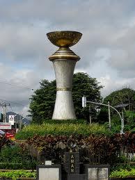 Bokor Kuningan di perempatan jalan Kota Kuningan Jawa Barat